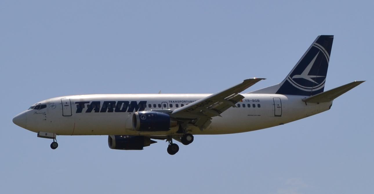 TAROM YR-BGB Boeing 737-300_2