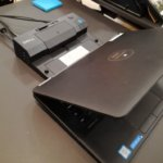 dell-laptop-conectat-docking-station